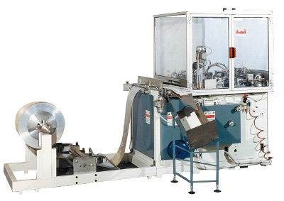 Машинa за поставяне на пластмасов или метален нож AMK