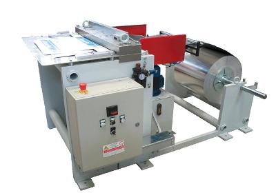 Машинa за поставяне на пластмасов или метален нож SMK